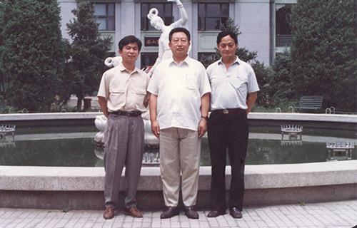 10建设部政研中心顾云昌副主任和潘其源副司长(1987)